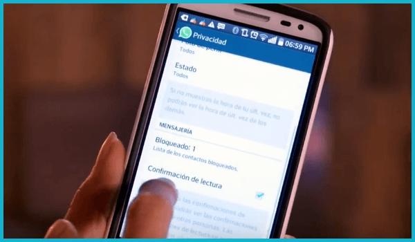 como-desactivar-el-doble-check-azul-de-whatsapp