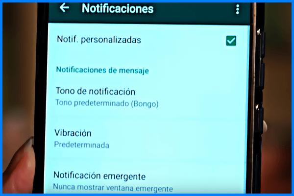 como-saber-quien-de-todos-sus-contactos-le-ha-enviado-un-mensaje-sin-abrir-whatsapp
